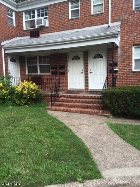 Additional photo for property listing at 1250 Teaneck Road  Teaneck, New Jersey 07666 États-Unis