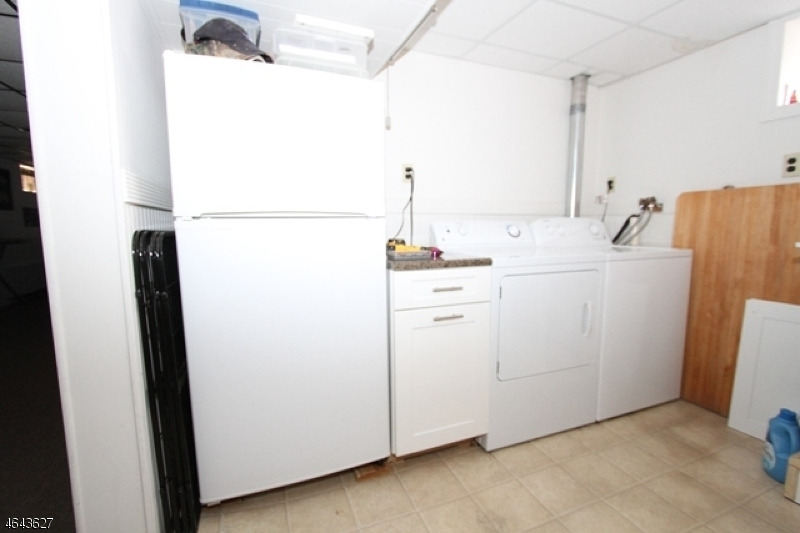 Additional photo for property listing at 25 Curtis Street  Bloomfield, Нью-Джерси 07003 Соединенные Штаты