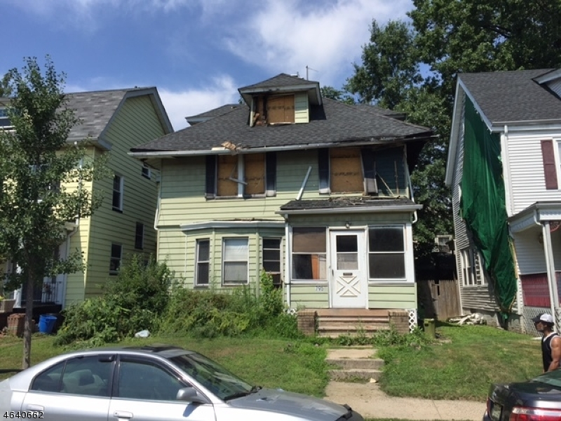 Additional photo for property listing at 795 S 11th Street  Newark, New Jersey 07108 États-Unis