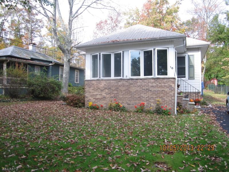 Частный односемейный дом для того Продажа на 16 Lakeview Point Avenue Branchville, Нью-Джерси 07826 Соединенные Штаты