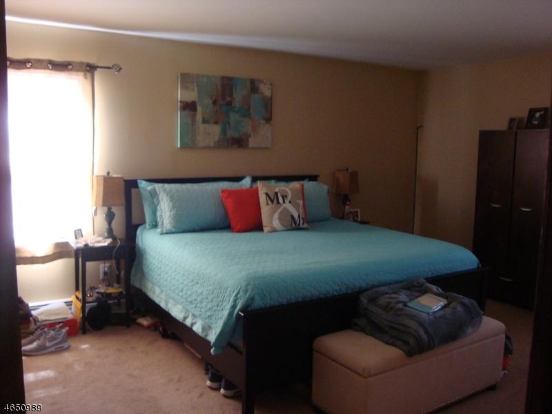 Additional photo for property listing at 16 Roseland Avenue  Totowa Boro, Nueva Jersey 07512 Estados Unidos