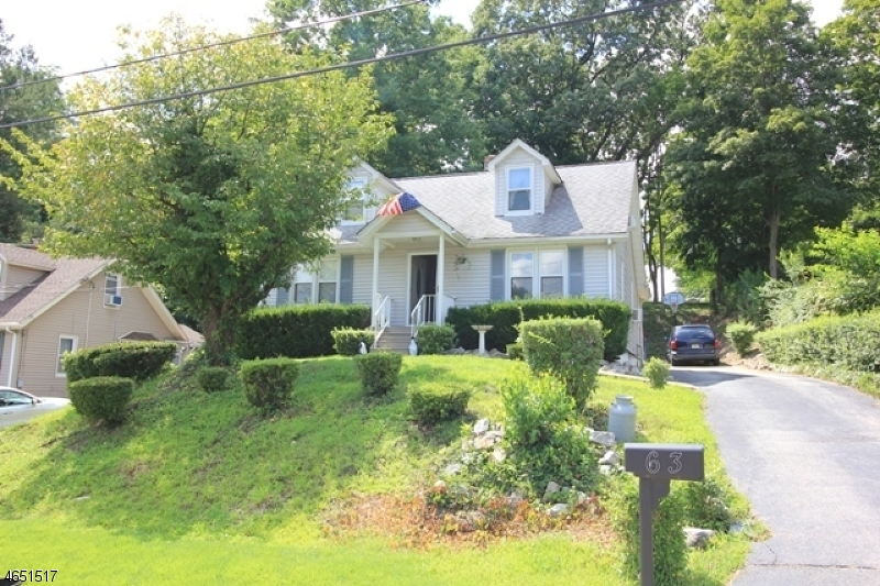 Частный односемейный дом для того Продажа на 63 Arch Street Butler, Нью-Джерси 07405 Соединенные Штаты