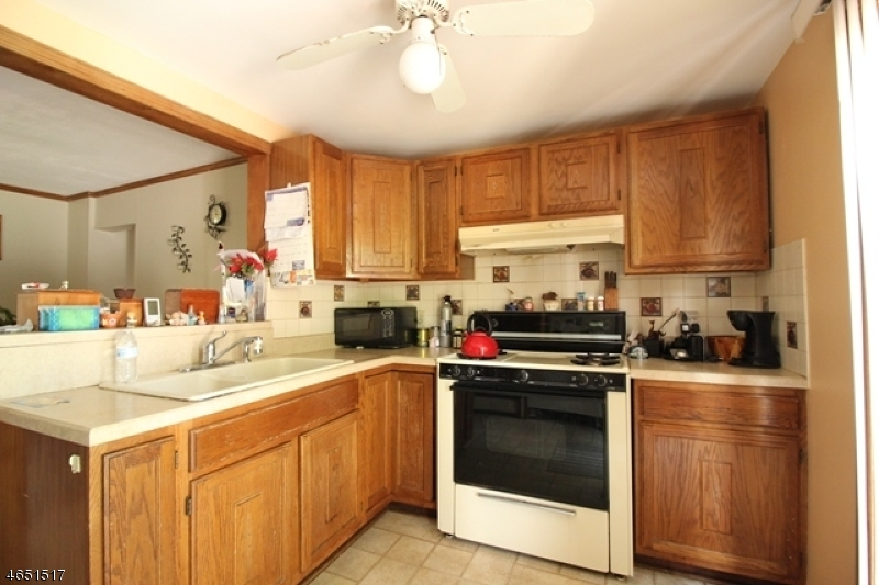 Additional photo for property listing at 63 Arch Street  Butler, Nueva Jersey 07405 Estados Unidos