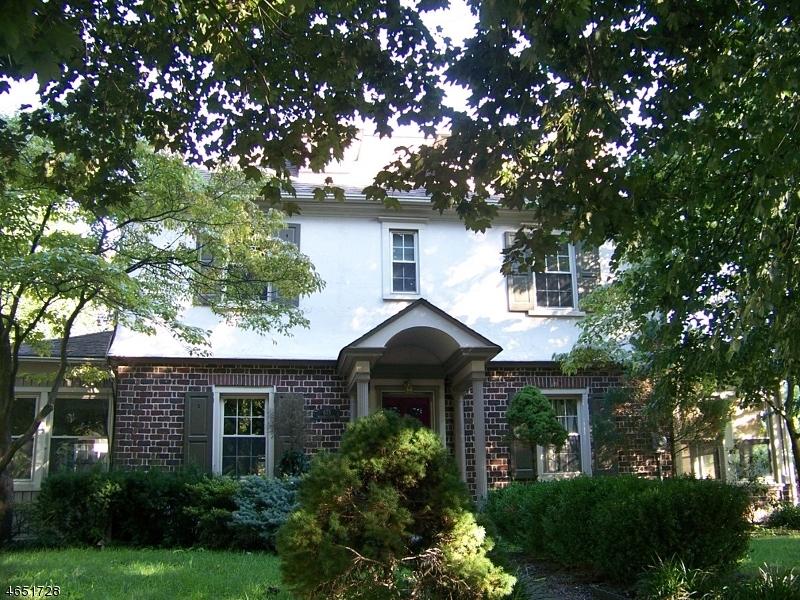 Casa Unifamiliar por un Venta en 675 Hillcrest Blvd Phillipsburg, Nueva Jersey 08865 Estados Unidos