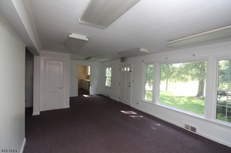 Additional photo for property listing at 3 Old Croton Road  Raritan, Nueva Jersey 08822 Estados Unidos