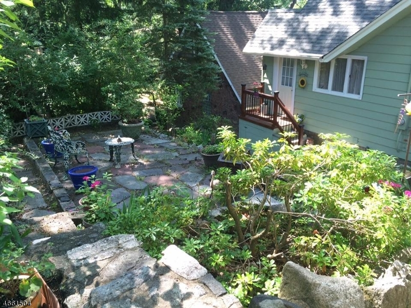Additional photo for property listing at 363 Lakeview Avenue  Ringwood, Nueva Jersey 07456 Estados Unidos
