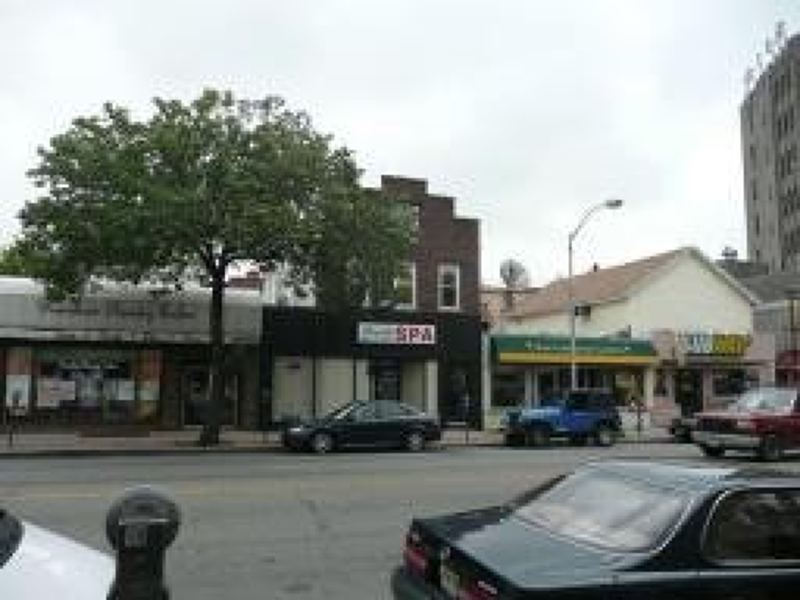 Additional photo for property listing at 599 Bloomfield Avenue  布鲁姆菲尔德, 新泽西州 07003 美国
