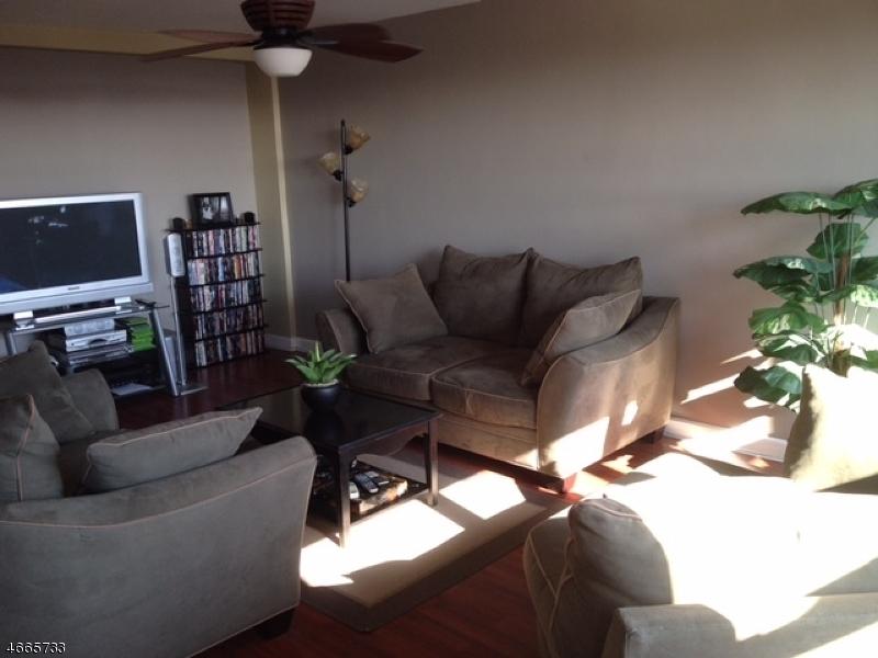 Casa Unifamiliar por un Alquiler en 1225 BOULEVARD Bayonne, Nueva Jersey 07002 Estados Unidos