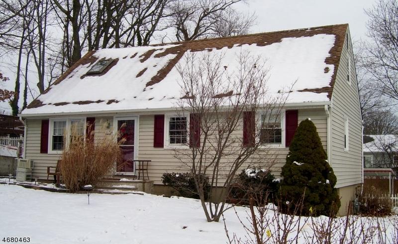 Casa Unifamiliar por un Venta en 129 Clinton Place Neptune, Nueva Jersey 07753 Estados Unidos