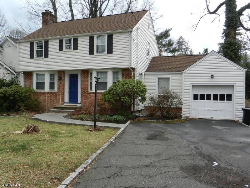 Casa Unifamiliar por un Alquiler en 636 Rahway Avenue Westfield, Nueva Jersey 07090 Estados Unidos