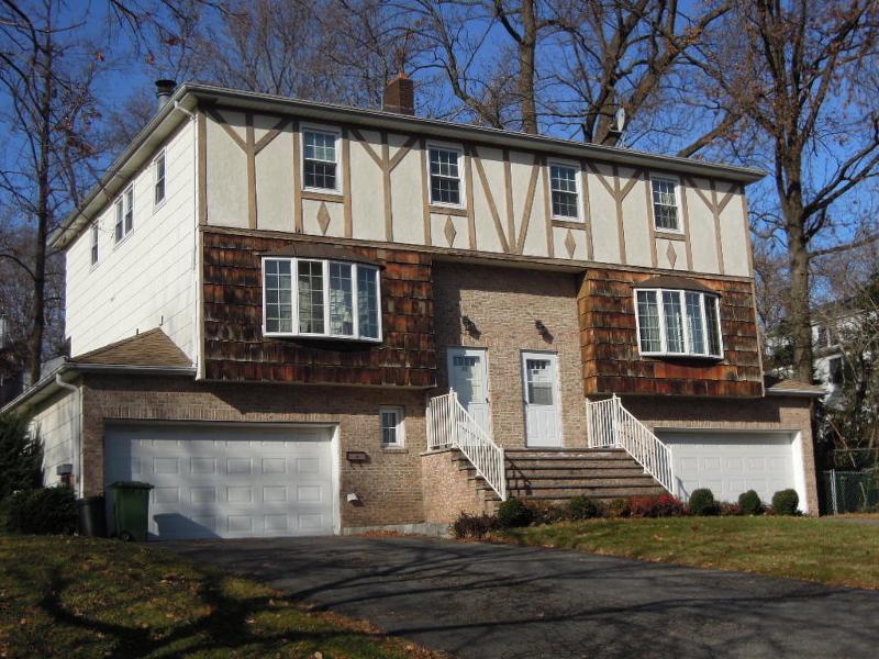 独户住宅 为 出租 在 89 Forsythia Lane 帕拉默斯, 新泽西州 07652 美国