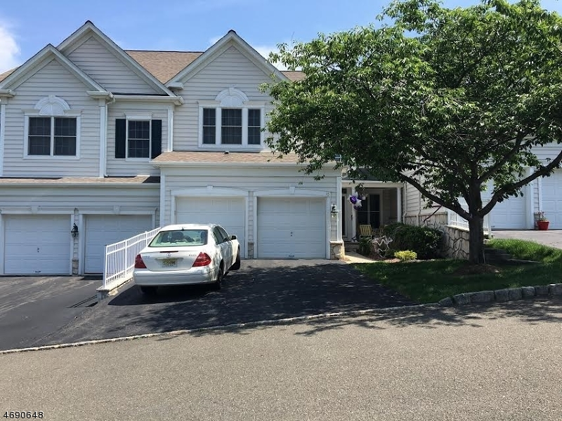 Single Family Home for Sale at 10 Constitution Lane Totowa Boro, New Jersey 07512 United States