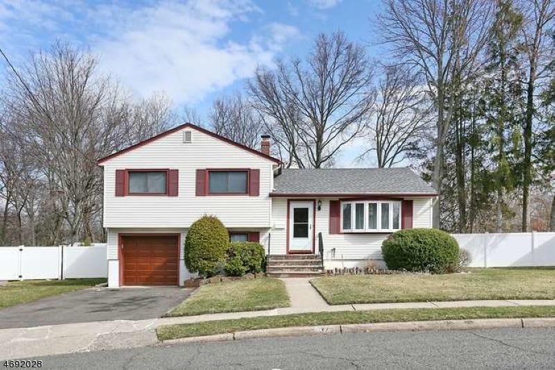 Casa Unifamiliar por un Venta en 37 Vivian Avenue Emerson, Nueva Jersey 07630 Estados Unidos