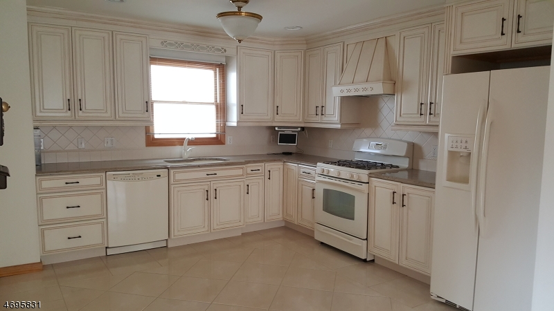 Single Family Home for Rent at 226 Lafayette Avenue Lyndhurst, New Jersey 07071 United States