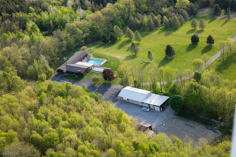 Частный односемейный дом для того Продажа на 64 Central School Road Wantage, 07461 Соединенные Штаты