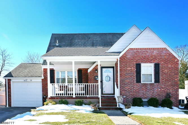 独户住宅 为 销售 在 28 Spindler Ter 德尔布鲁克, 07663 美国