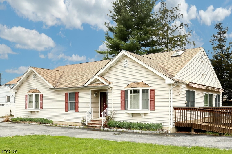 Single Family Home for Sale at 506 Saddle River Road Saddle Brook, New Jersey 07663 United States