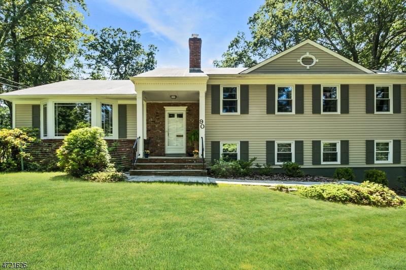Einfamilienhaus für Verkauf beim 90 Roland Road 90 Roland Road Berkeley Heights, New Jersey 07974 Vereinigte Staaten