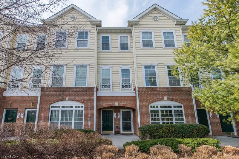 Частный односемейный дом для того Аренда на 303 Freedom Lane Belleville, Нью-Джерси 07109 Соединенные Штаты
