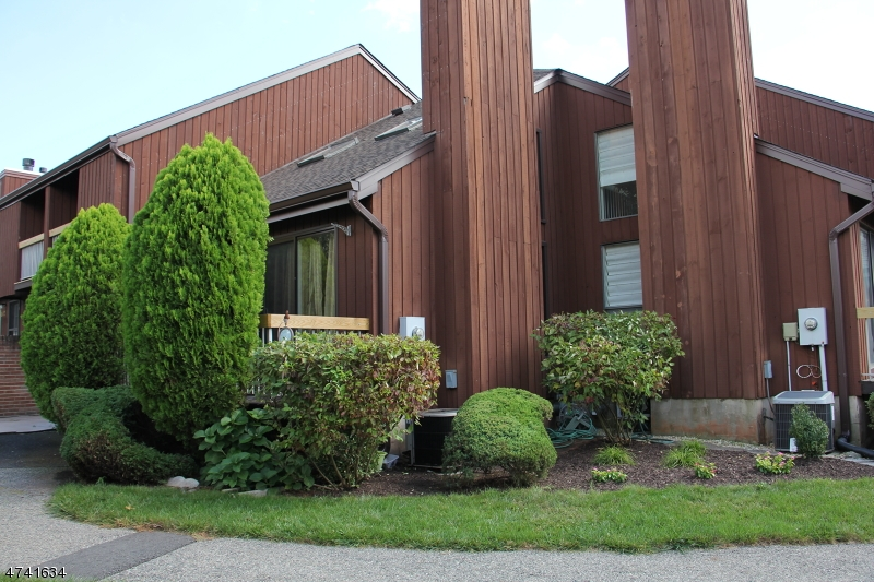 Частный односемейный дом для того Аренда на 41-13 BLOOMINGDALE Drive Hillsborough, Нью-Джерси 08844 Соединенные Штаты