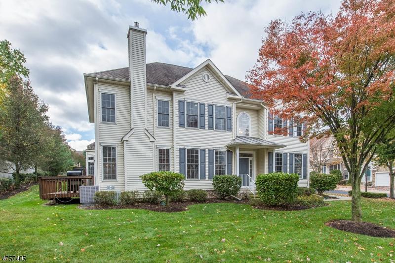 Einfamilienhaus für Verkauf beim 1 Rolling Views Drive 1 Rolling Views Drive Woodland Park, New Jersey 07424 Vereinigte Staaten