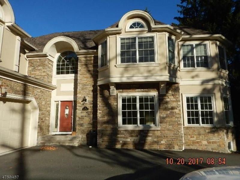 Casa Unifamiliar por un Venta en Address Not Available Roseland, Nueva Jersey 07068 Estados Unidos
