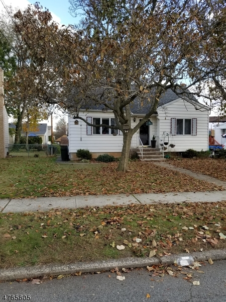 Single Family Home for Sale at 32 Greenlawn Drive Lodi, New Jersey 07644 United States