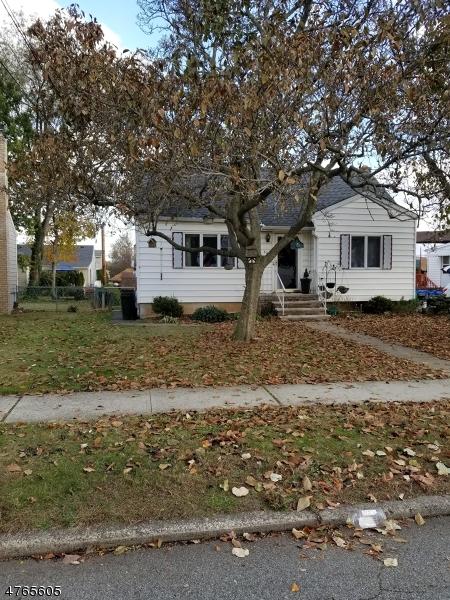 Maison unifamiliale pour l Vente à 32 Greenlawn Drive Lodi, New Jersey 07644 États-Unis