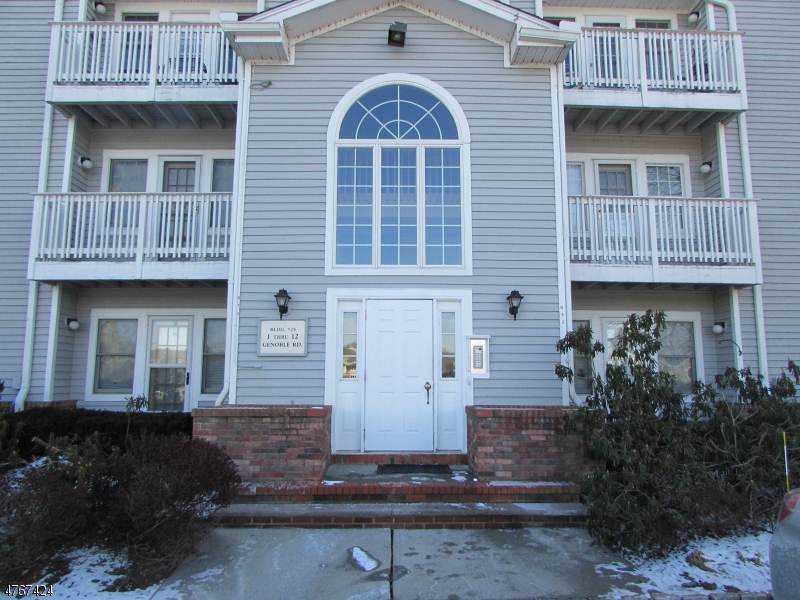 Single Family Home for Rent at 8 Genoble Road Montville, New Jersey 07045 United States