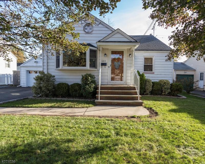 独户住宅 为 销售 在 683 Richfield Avenue Kenilworth, 新泽西州 07033 美国