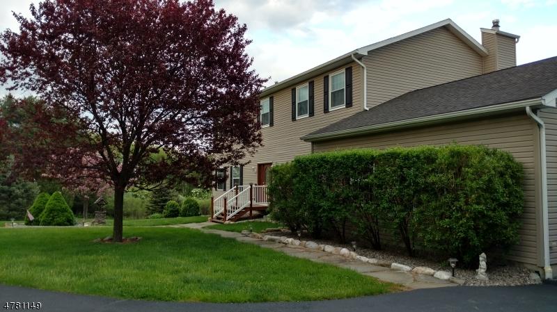 Einfamilienhaus für Verkauf beim 635 State Route 94 635 State Route 94 Fredon Township, New Jersey 07860 Vereinigte Staaten