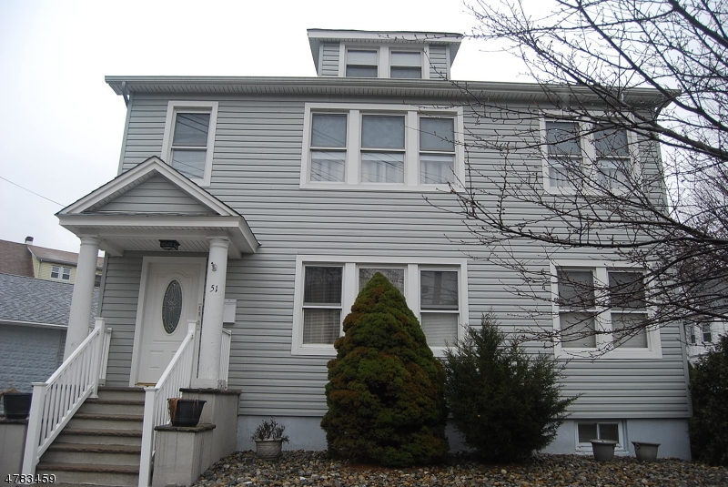 二世帯住宅 のために 売買 アット 51 E Passaic Avenue 51 E Passaic Avenue Bloomfield, ニュージャージー 07003 アメリカ合衆国