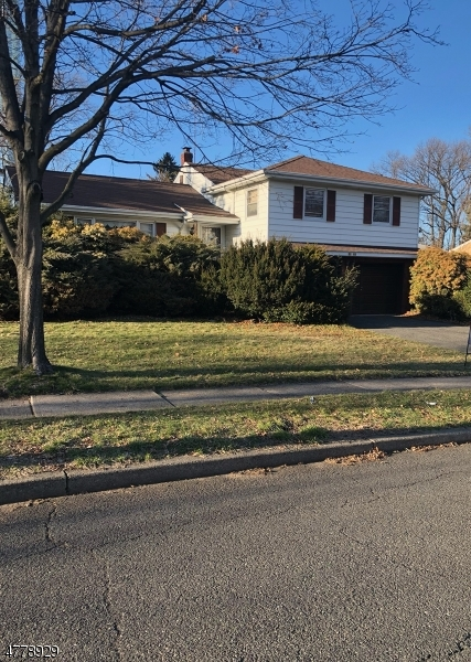 Single Family Home for Sale at 31-15 Garfield Pl, 1X Fair Lawn, New Jersey 07410 United States