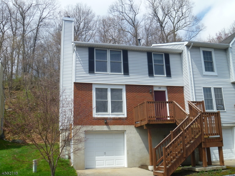 Condo / Townhouse for Sale at 26 Cambridge East Oxford, New Jersey 07863 United States