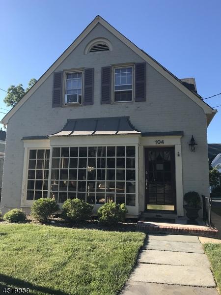Частный односемейный дом для того Аренда на 104 Main Chatham, Нью-Джерси 07928 Соединенные Штаты