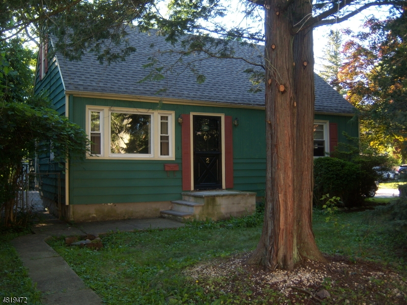 Eensgezinswoning voor Verkoop op 2 ANN Street Bloomingdale, New Jersey 07403 Verenigde Staten