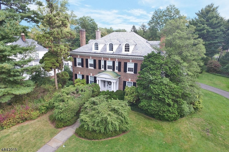 Single Family Home for Sale at 3 Stoneleigh Park Westfield, New Jersey 07090 United States