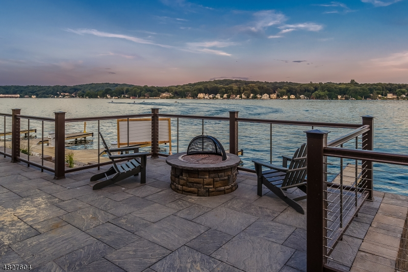 Condominium for Sale at 104 MARINERS POINTE 104 MARINERS POINTE Hopatcong, New Jersey 07843 United States