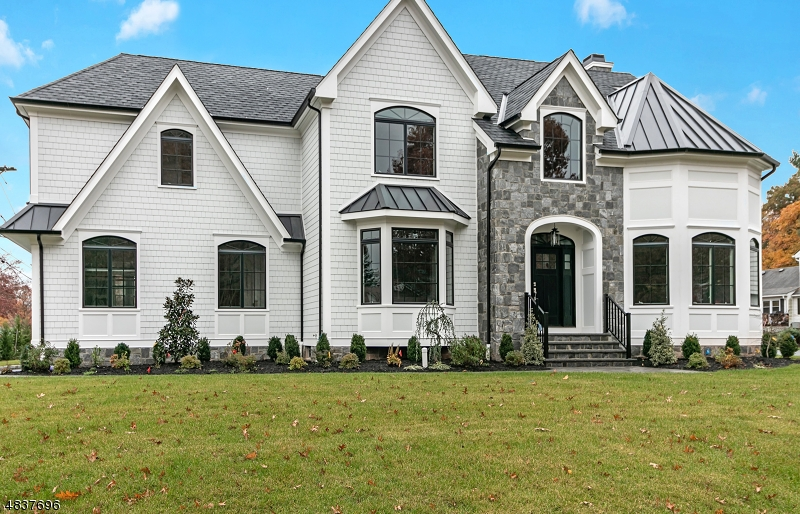 Single Family Home for Sale at 118 OAK TREE PASS 118 OAK TREE PASS Westfield, New Jersey 07090 United States