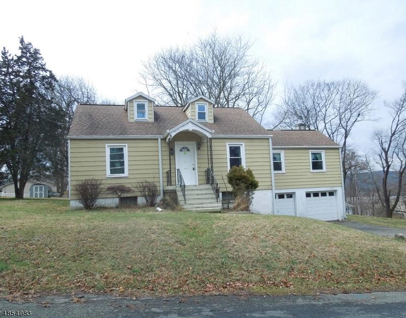 Property för Försäljning vid 135 S LINCOLN Avenue Washington, New Jersey 07882 Förenta staterna