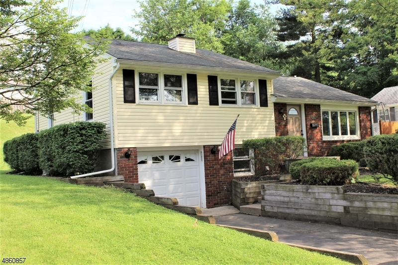 Single Family Home for Sale at 708 FRANKLIN ST 708 FRANKLIN ST Belvidere, New Jersey 07823 United States