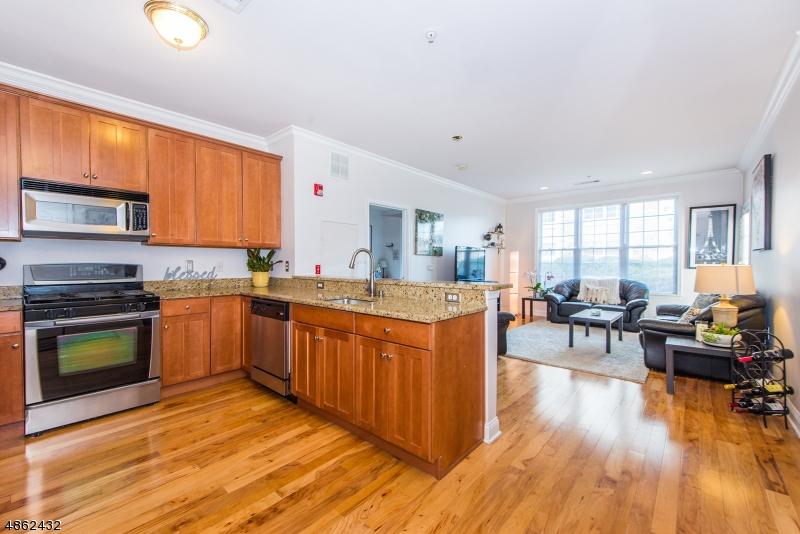 Кондо / дом для того Продажа на 1104 WHARTON Court Riverdale, Нью-Джерси 07457 Соединенные Штаты
