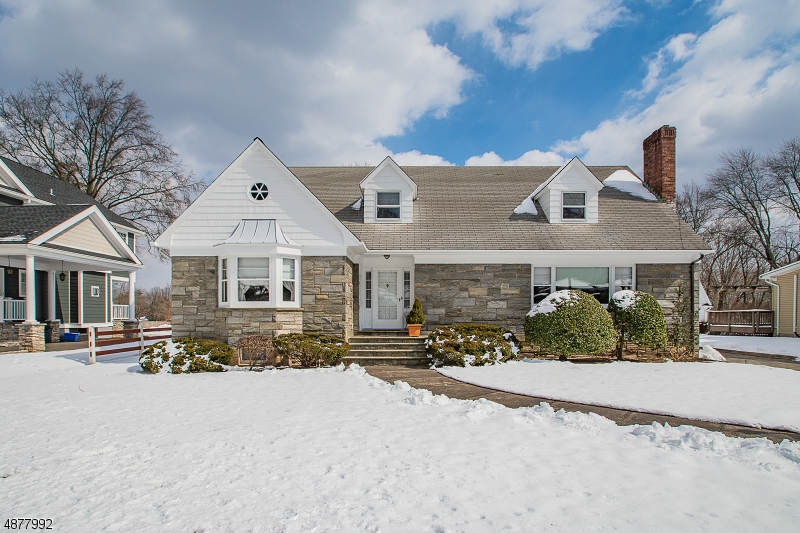 Single Family Home for Sale at 192 PINELYNN Road Glen Rock, New Jersey 07452 United States