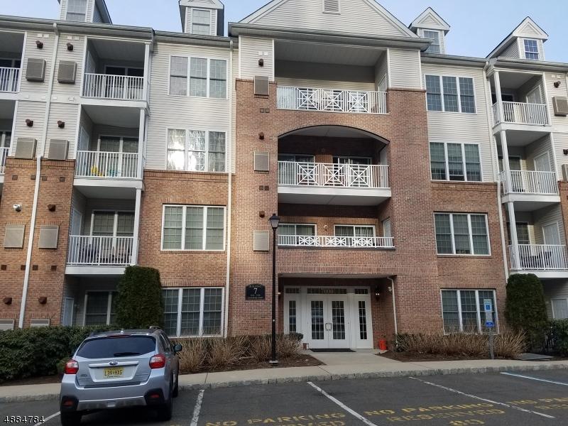Condo / Casa geminada para Venda às 7418 COVENTRY Court Riverdale, Nova Jersey 07457 Estados Unidos