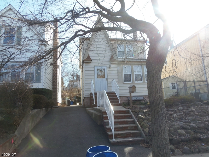 Multi-Family Homes للـ Sale في North Arlington, New Jersey 07031 United States