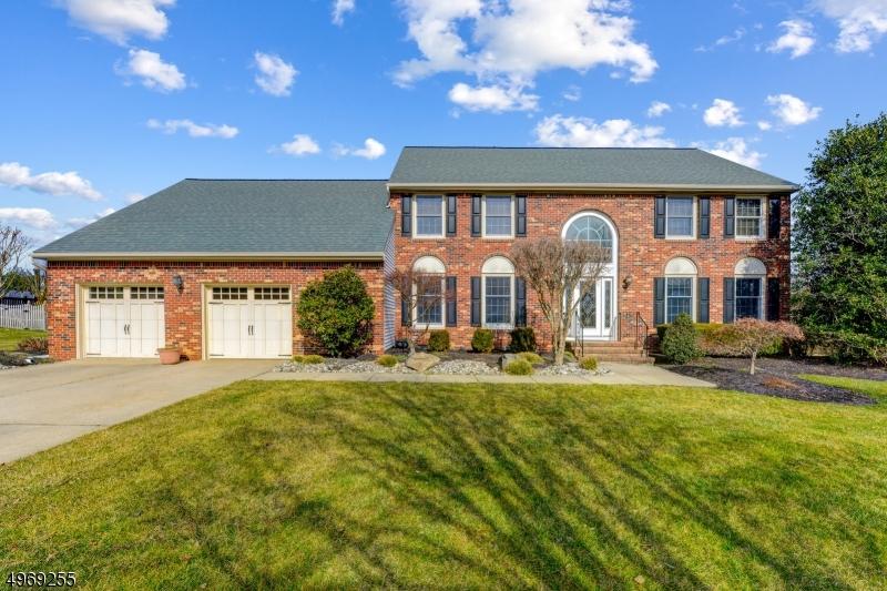 Property voor Verkoop op South Brunswick, New Jersey 08852 Verenigde Staten