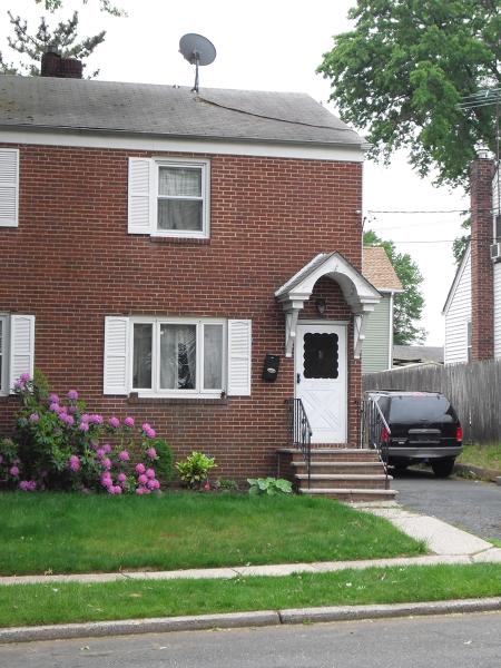 独户住宅 为 销售 在 603 Maple Avenue 林登, 新泽西州 07036 美国