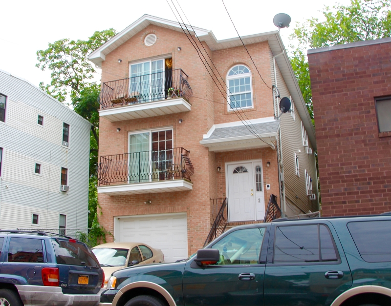 Additional photo for property listing at 2 12th Avenue  Paterson, Nueva Jersey 07501 Estados Unidos