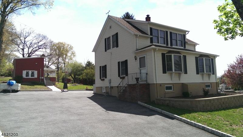 Частный односемейный дом для того Продажа на 428 Manchester Avenue Haledon, 07508 Соединенные Штаты