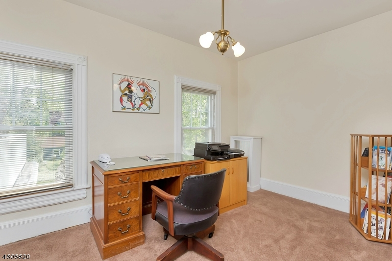 Additional photo for property listing at 16 Madison Avenue  Cranford, New Jersey 07016 États-Unis